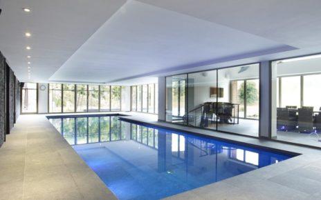 indoor swimming poo