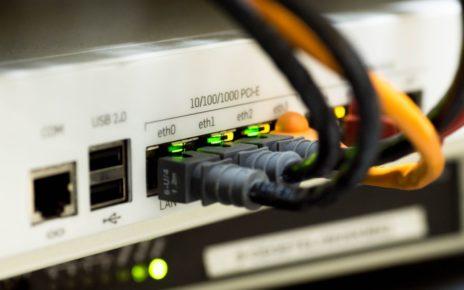 white switch hub turned on 159304 1