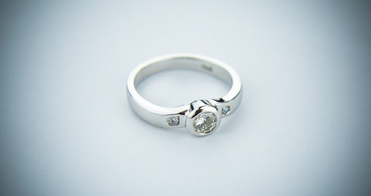 engagement ring 2093824 1920