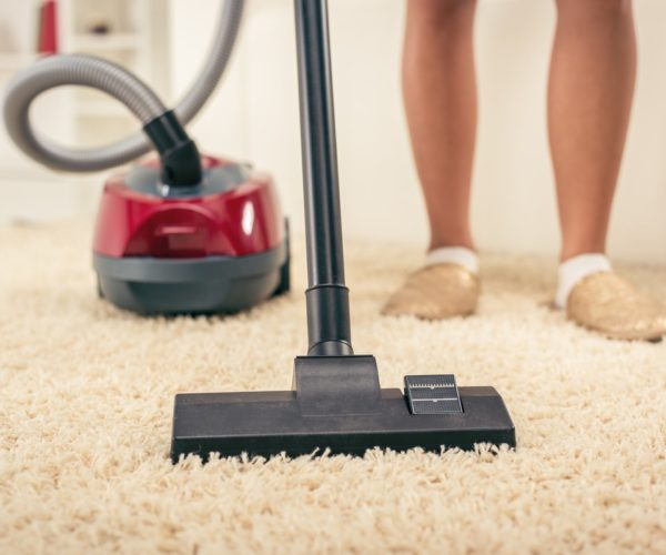 Why Experts Vacuumed The Carpets Before Cleaning?