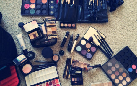 Why should you buy a Makeup Kit